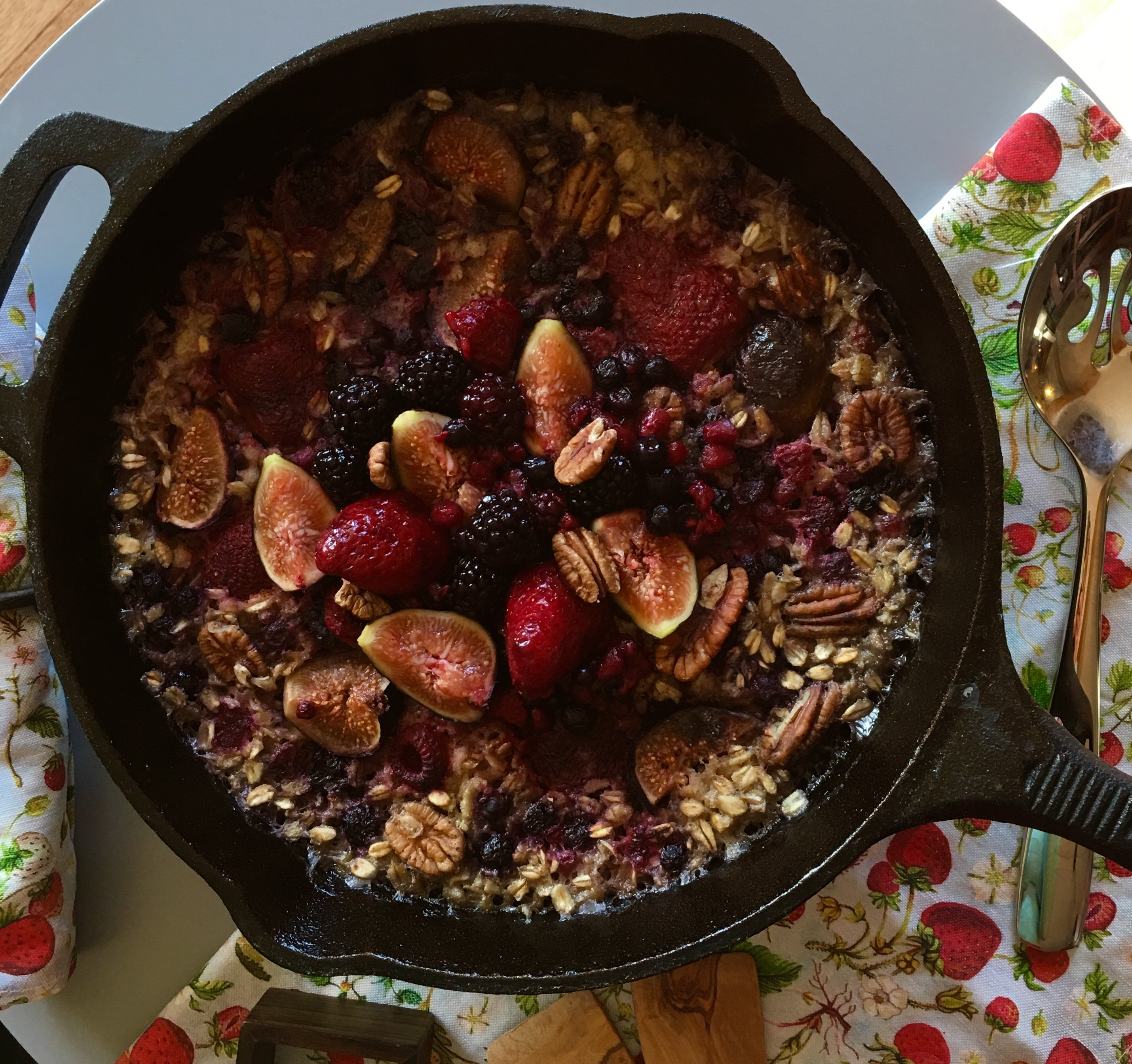Granola-cereal-urban hippie-Cardamom Maple Oatmeal with Figs Blackberries and Roasted Pecans-recipe
