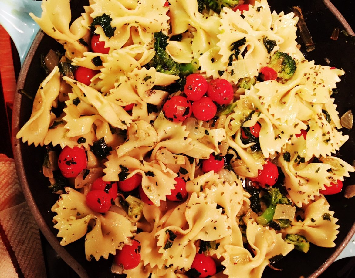EASY & FAST Thyme and Tomato Bursting Pasta for PARENTS
